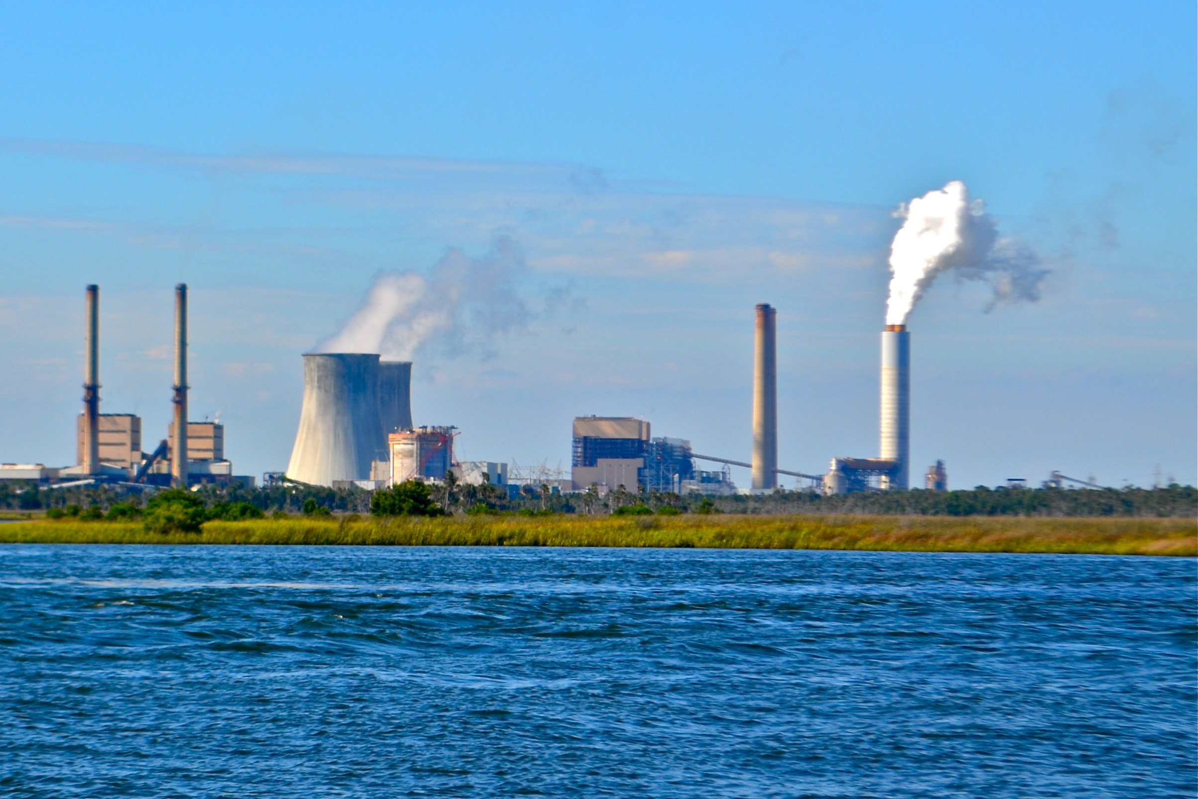 essay nuclear power pros and cons nuclear power advantages and disadvantages